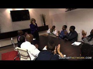 nina hartley fickt schwarze Jungs für Stimmen