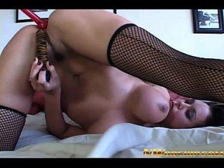 Anal Interracial Sex für große Titten Mädchen und großen schwarzen Schwanz