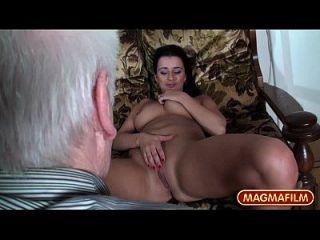 Magma Film Busty Hot Teens necken Großvater