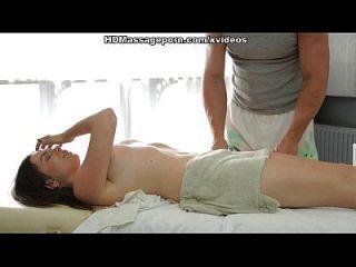 schöne sheila genießt die sexy massage mit sex