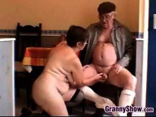 geile Oma und Opa mit Sex
