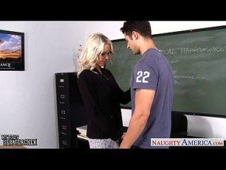 Sex Lehrer Emma Starr nehmen Hahn im Klassenzimmer