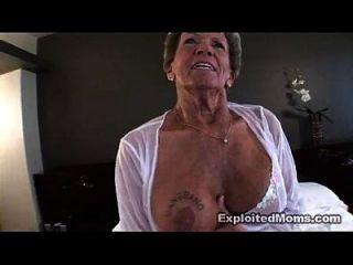 alte Oma nimmt einen großen schwarzen Schwanz in ihren Arsch anal interracial Video