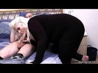 busty blonde und Mann erwischt betrügen
