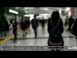 Japanische Schulmädchen Boards trainieren für echte Chikan Erfahrung