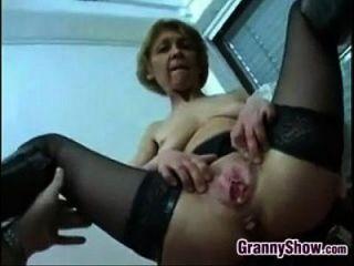 Dreckige Oma fucking für einen Creampie