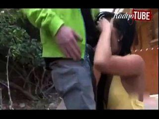 Mädchen rettet Schule von weißen Schule Shooter Junge durch fucking ihn. Held.
