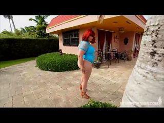pawg marcy diamond macht xxx draußen durch pool in miami