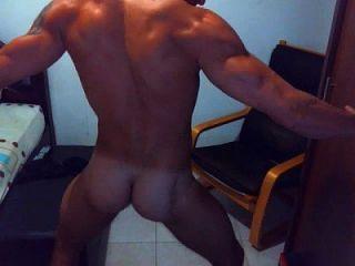 Hot Dude auf Webcam Tanz und wichsen