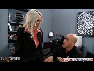 sexy blonde emma starr wird im büro genagelt
