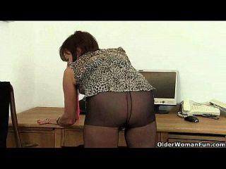 britische büro Dame braucht orgasmische Erleichterung