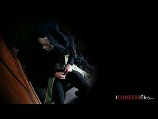 Konfessionsfilme: Britische Milf Amica ist eine Schlampe