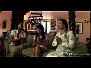 perv fickt 3 Frauen in dem, was es scheint, nicht ein xxx Parodie der großen Liebe zu sein