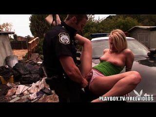 playboy hot blonde teen wird von cop gepocht