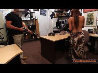 busty latina saugt pawnshop besitzer hahn für extra bargeld