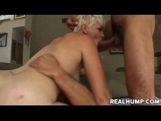 natürliche blonde babe claudia downs bekommt doppelte penetration
