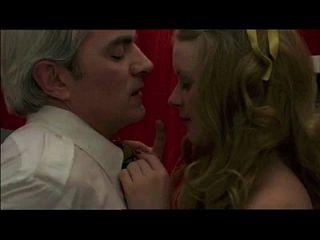 Voyeur fängt den alten Mann auf jugendlich, im Zeichen des Sagittarius (1978) Sex Szene 1