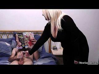 heißeste blonde bbw hilft ihm cum