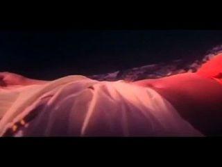 eine heiße Szene aus dem Film kinnarathumbikal
