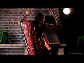 gorgeous skinny indian teen erotischen Tanz \u0026 Finger fucking
