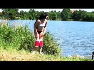 got2pee peeing Frauen compilation 001