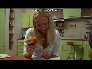 Anal Ficken mit einem sassy College Mädchen Szene 1