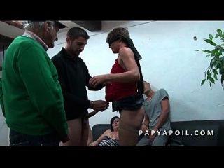 papy s incruste avec 2 salopes francaises dans un planen ein 5 pervers