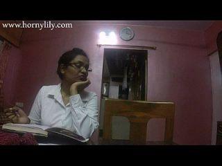 indische Tante Sex geile Lilie im Büro