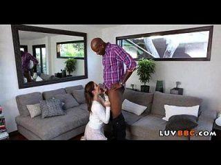 kasey warners Vater lässt sie einen großen schwarzen Schwanz ficken