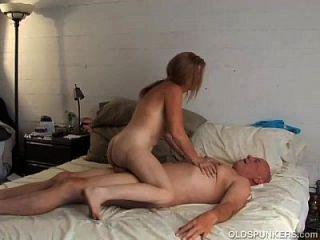 geiler alter spunker ist super hot fuck und liebt den geschmack von cum