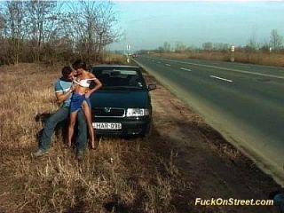 Straße anal fuck neben Auto