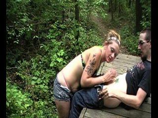 Escort Nympho Blowjob im Wald