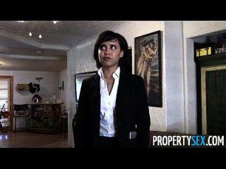 propertysex niedlich Immobilienmakler macht schmutziges Pov Sex Video mit Client