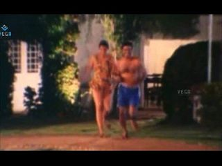 unverheiratetes Heißpaar am Pool