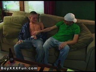sexy Homosexuell John und Marcel Gurgeln einander die Hähne! Marcel bekommt dann