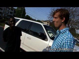 Kyle Powers versucht Homosexuell Sex mit einem schwarzen Kerl
