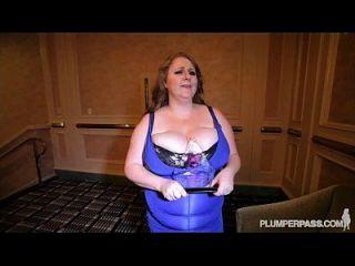 busty bbw award winner milf sapphire fickt bei bbwcon