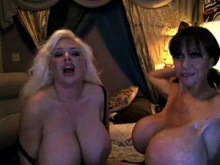sexroulette24.com camgirl big boobs 8 [2]