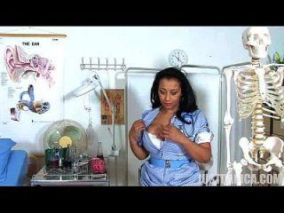 danica collins (donna ambrose) freche krankenschwester