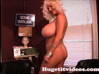 riesige boobs sarenna lee ausziehen für dich