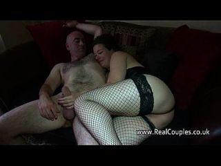 Ehemann anally fucking chubby Frau