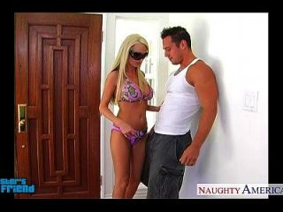 blonde babe nikki benz gibt blowjob im pov-art