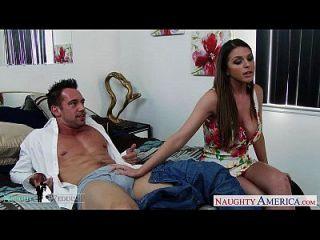 Hottie Brooklyn Chase bekommt große Titten cummed bei der Hochzeit