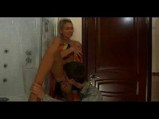 heiße Mama n149russische Blondine aufgeregt reifen Milf und junger Mann