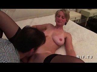 gorgeous amateur big boobed französisch blonde babe in strümpfen hart anal gefickt