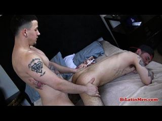 tatted latino fucking seine tatted unten