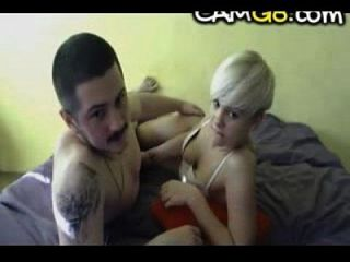 hot blonde teen saugt und reitet ihr bf camg8