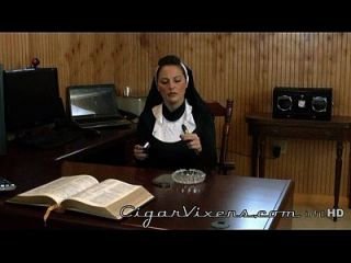 Lola Lynn, Zigarre Vixens, volles Video