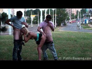 extreme öffentliche Sex Gangbang Teen Orgie