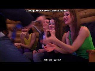 heiße Orgie-Studenten auf einer Party